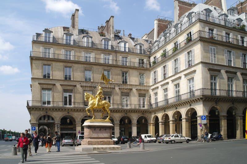Статуя Жанны д'Арк в 1874, работы скульптора Emmanuel Fre стоковые фотографии rf