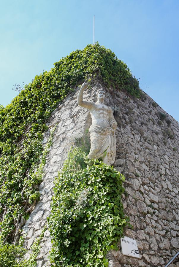 Статуя императора Augustus цезаря на solaro monte стоковое фото