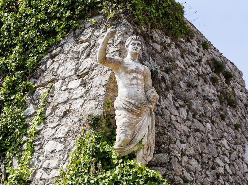 Статуя императора Augustus цезаря на solaro monte стоковое фото rf