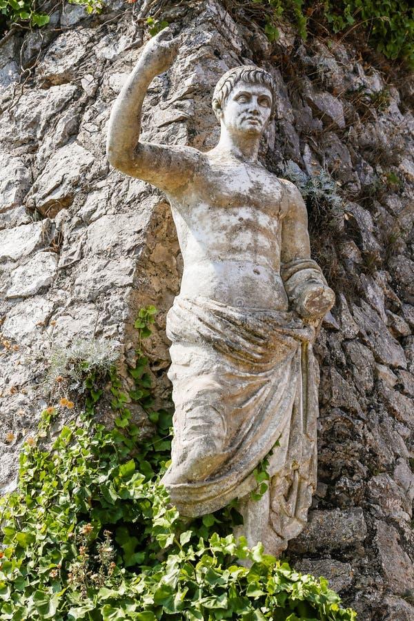 Статуя императора Augustus цезаря на solaro monte стоковые фотографии rf
