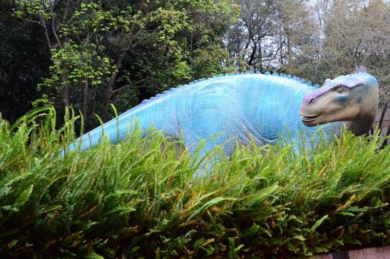 Статуя динозавра стоковое фото rf