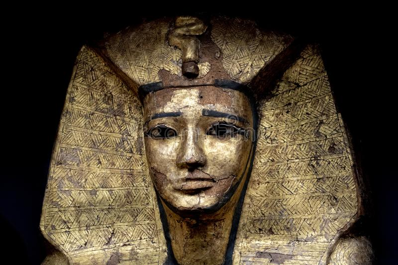 Статуя камня символа вероисповедания египетского бога фараона мертвая стоковое изображение rf