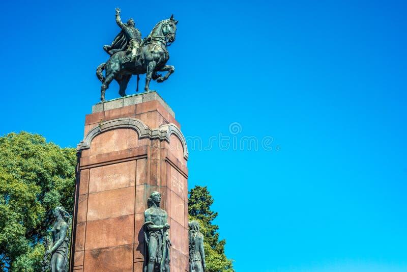 Статуя Карлоса de Alvear в Буэносе-Айрес, Аргентине стоковое изображение