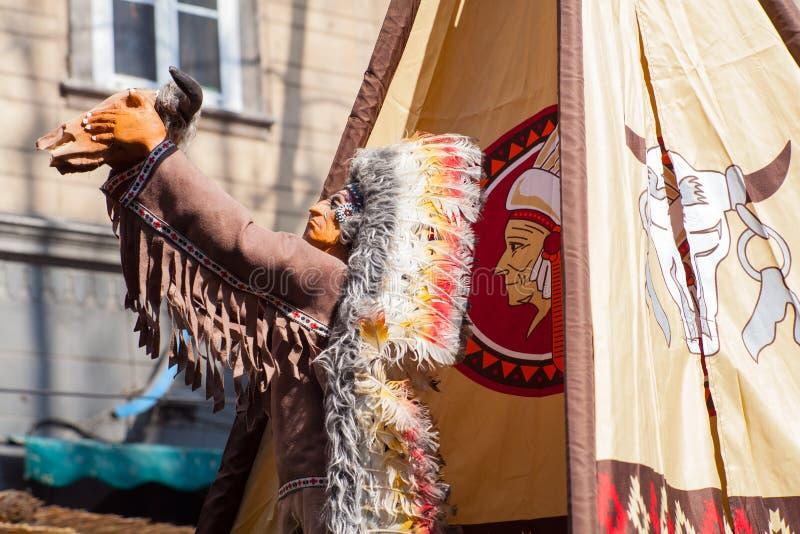 Download Статуя коренного американца Стоковое Фото - изображение насчитывающей украшение, статуя: 40586872