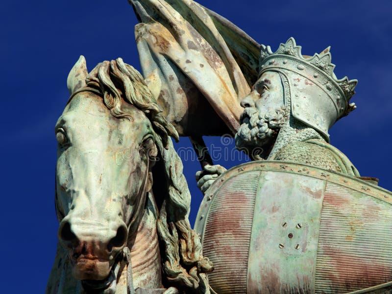 статуя крестоносца brussels средневековая стоковое изображение rf