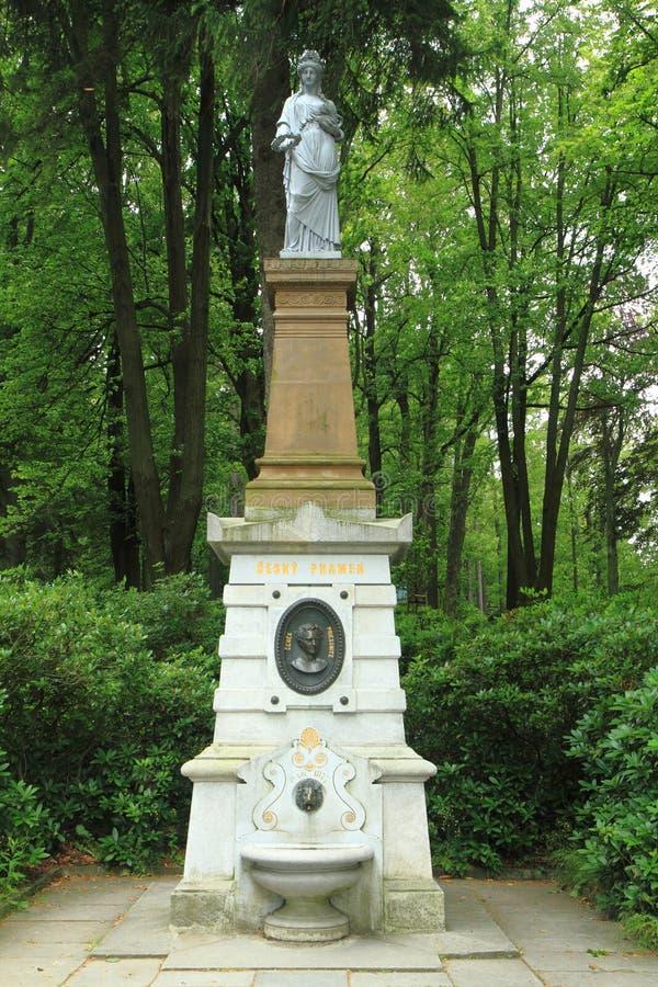 Статуя курорта Jesenik - весна воды стоковая фотография rf
