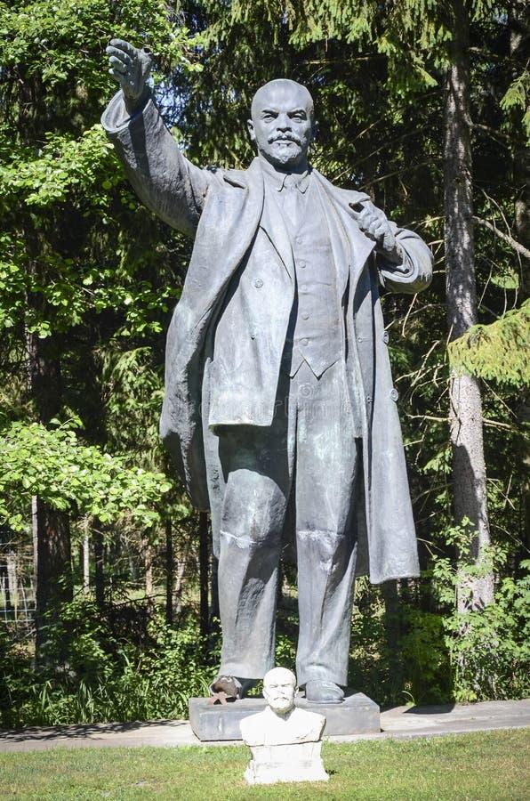 Статуя Ленина в парке Grutas стоковое изображение rf