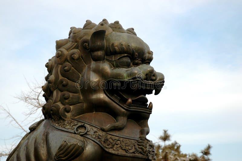 Download статуя льва стоковое фото. изображение насчитывающей запрещено - 476954