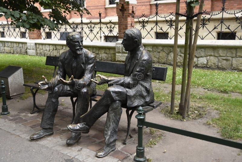 Статуя математиков на музее университета Jagiellonian в Краков Польше Краков, неслужебная культурная столица Польши стоковые фотографии rf