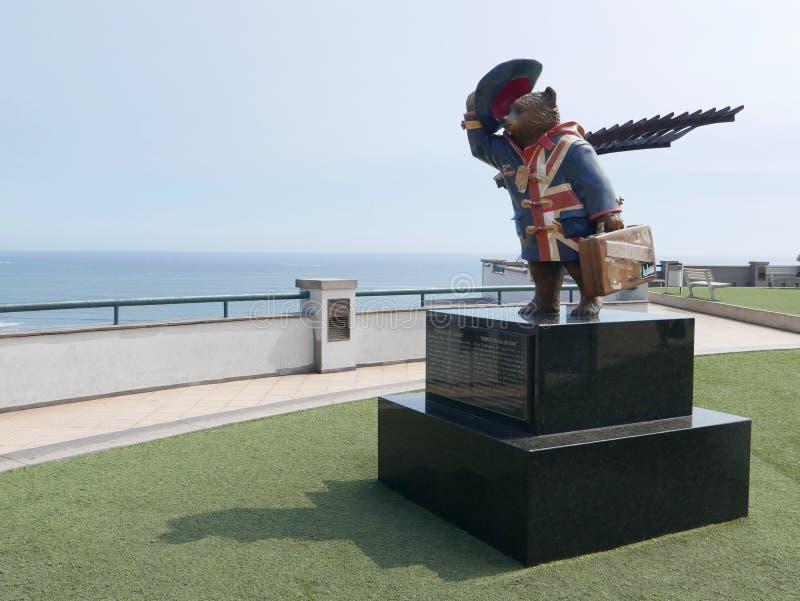 Статуя медведя Paddington в районе Miraflores Лимы стоковые фотографии rf