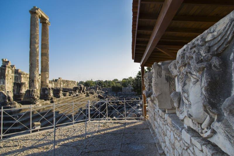 Статуя Медузы в виске Аполлона на Didyma стоковая фотография rf