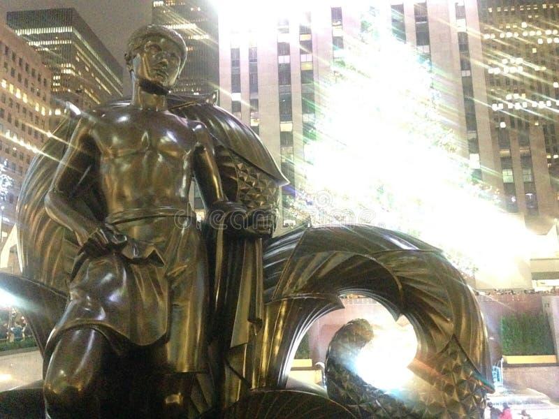 Статуя молодости перед центром Рокефеллер стоковое изображение