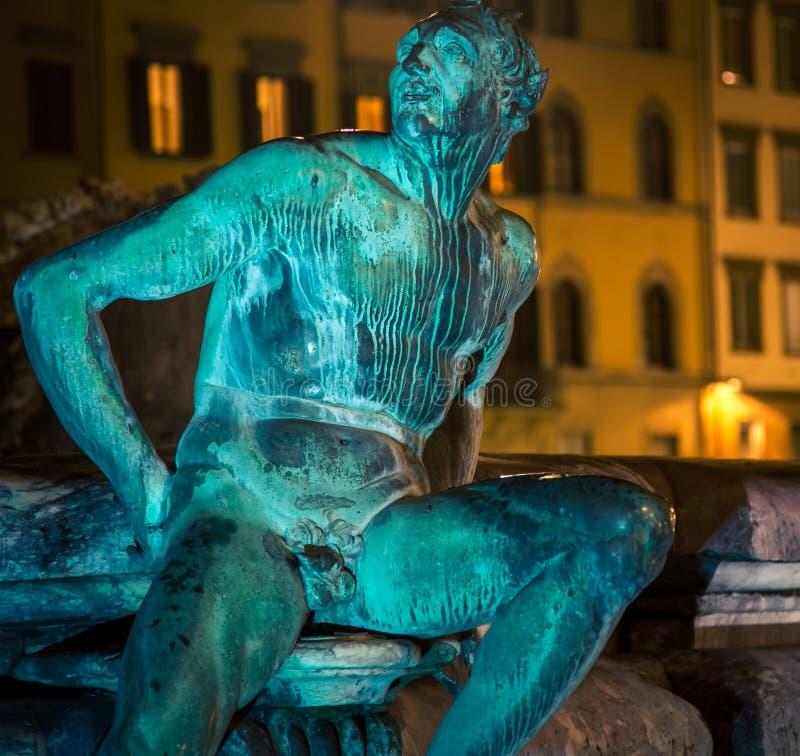 Статуя на фонтане Нептуна стоковая фотография