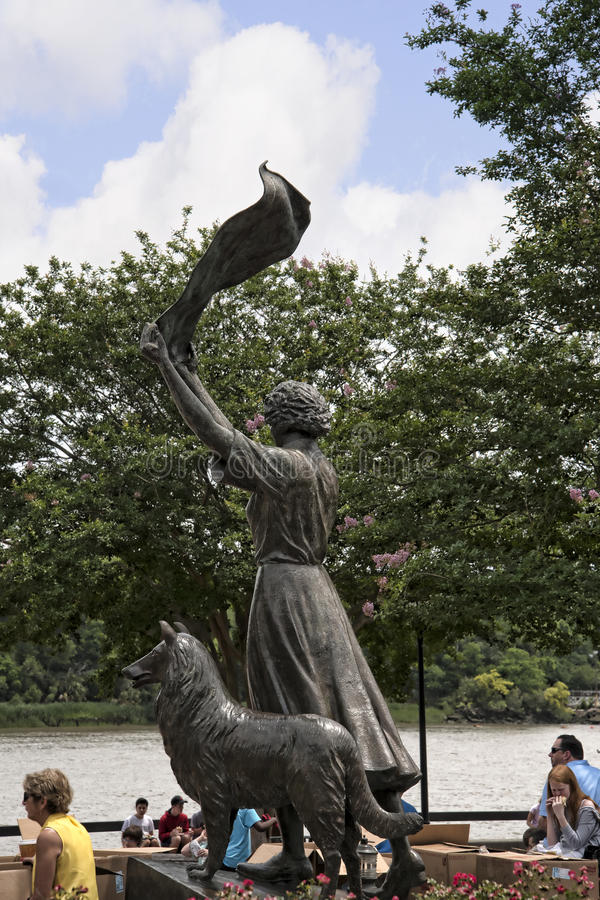Статуя на quayside Рекы Savannah в саванне в Georgia США стоковое фото rf