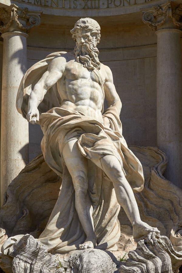 Статуя Нептуна фонтана Trevi в Риме Италии стоковые фото