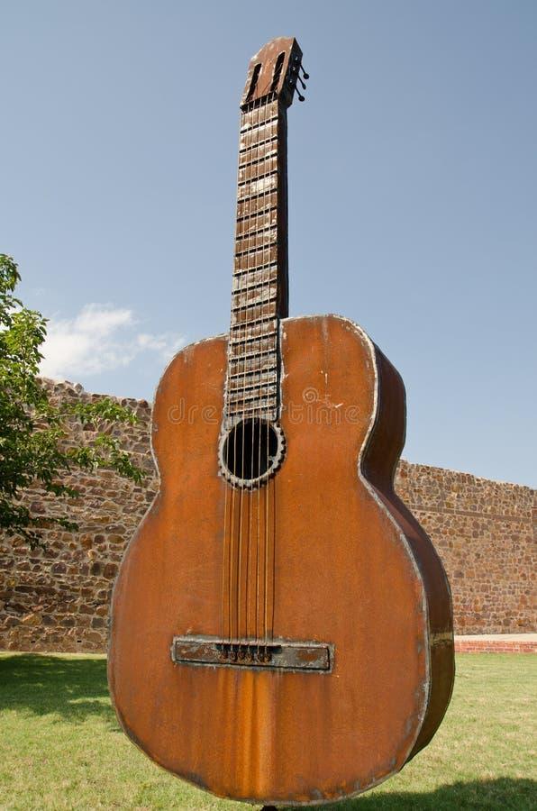Статуя Оклахома гитары стоковые изображения rf