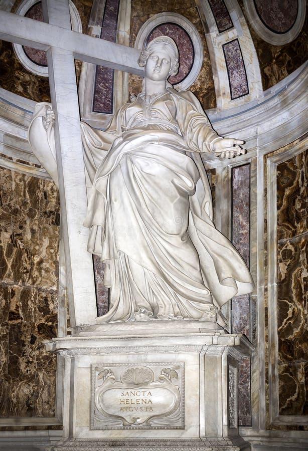 Статуя Острова Св. Елена в базилике St Peter стоковые фото