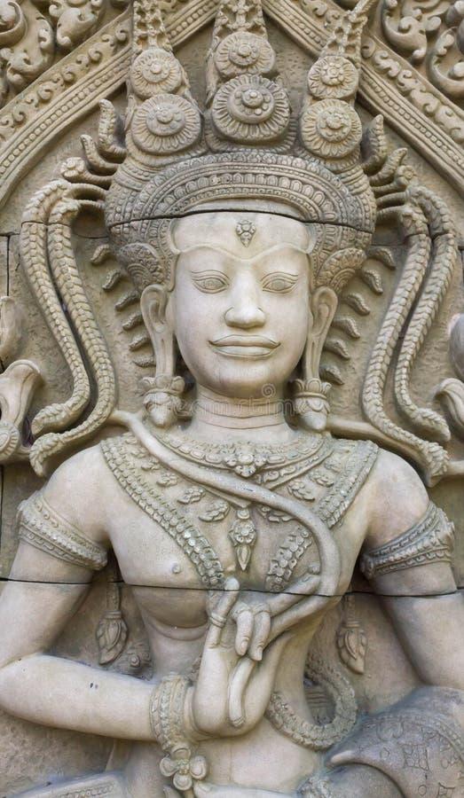 Статуя резного изображения Apsara стоковое изображение