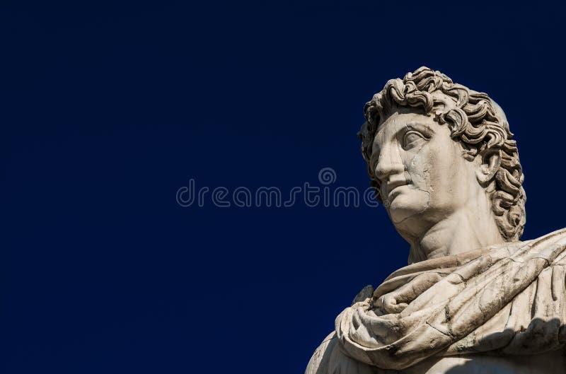 Статуя рицинуса или Поллукса с космосом экземпляра стоковые фотографии rf