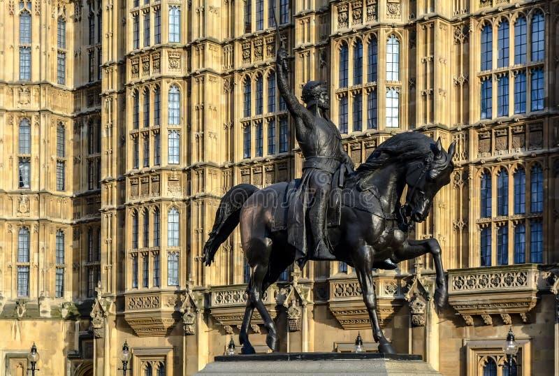 Статуя Ричарда Coeur de Льва стоковые фото