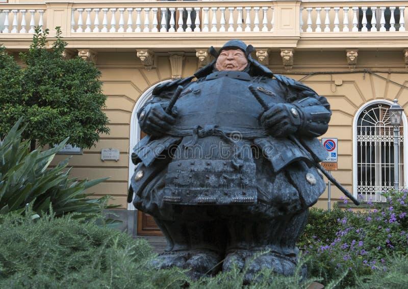 Статуя самураев попечителя Matteo Pugliese, квадратом Antonino ` Sant, Сорренто стоковые фото
