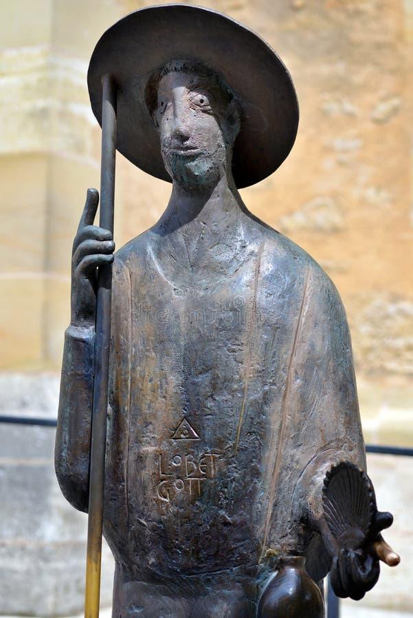Статуя Святого Джейкоба держа раковину в der Tauber ob Ротенбурга, стоковое изображение