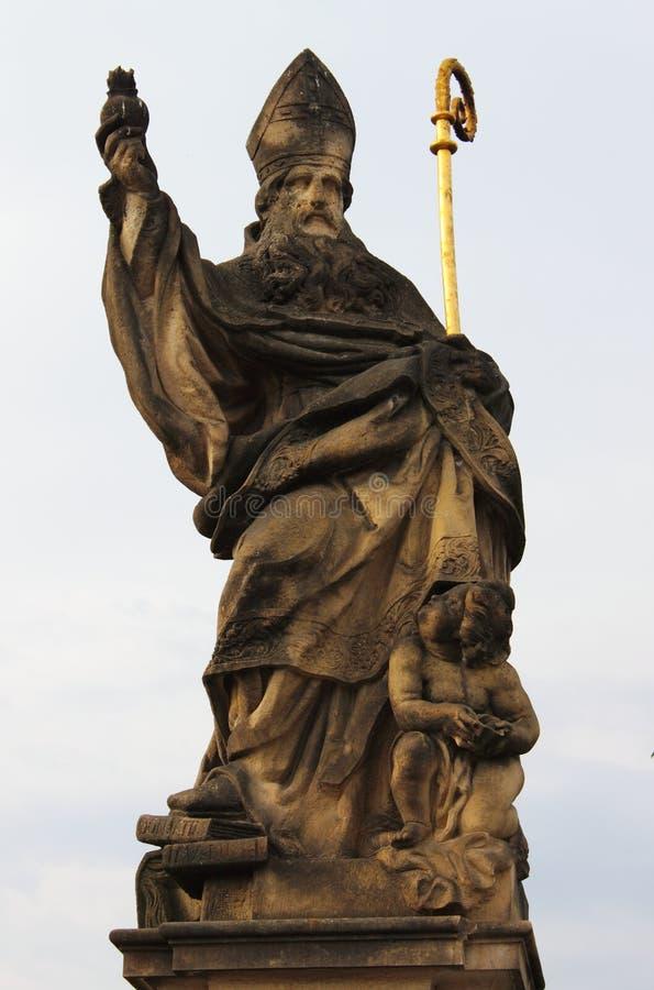 статуя святой augustine стоковые изображения rf