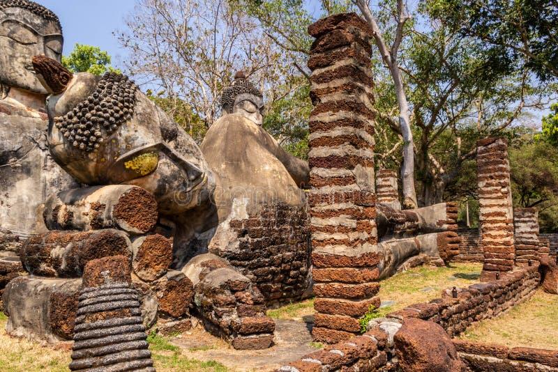Статуя спать Будда стоковая фотография rf
