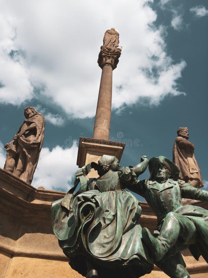 Статуя танцоров, Novy Jicin, чехия/Чехия стоковые изображения