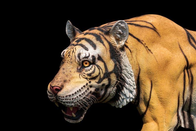Статуя тигра с путем клиппирования стоковое изображение