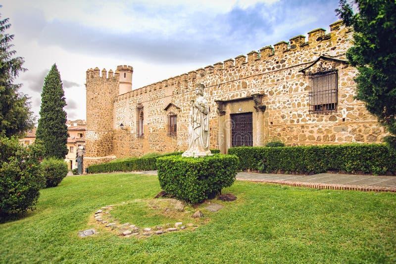 Статуя ферзя Isabella в Toledo, Испании стоковые фото