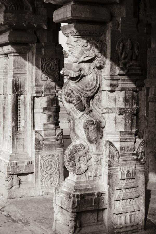Статуя штендера утеса - висок Thanjavur большой стоковое изображение