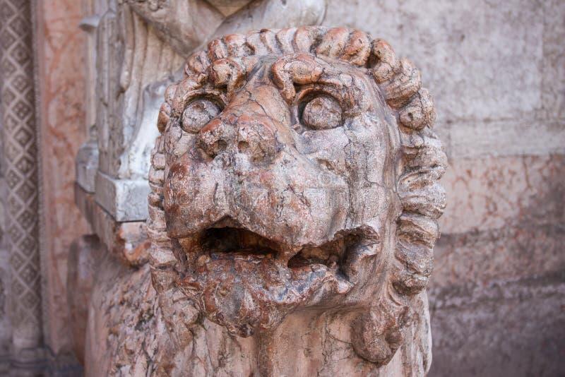 Download Статуя льва Италии, Равенны Стоковое Фото - изображение насчитывающей мрамор, attractor: 33732848