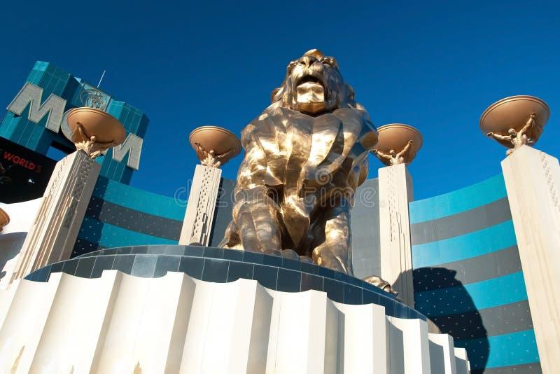 Статуя льва на гостинице казино Лас-Вегас Эм-Джи-Эм Гранда на Лас-Вегас стоковые изображения