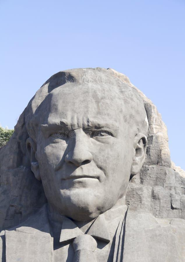 Статуя Ataturk стоковая фотография