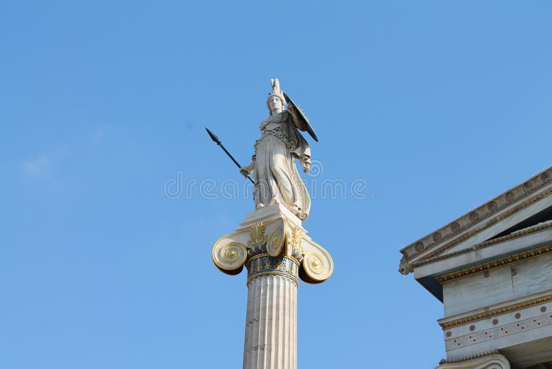 Статуя Athene в Афинах стоковое фото rf
