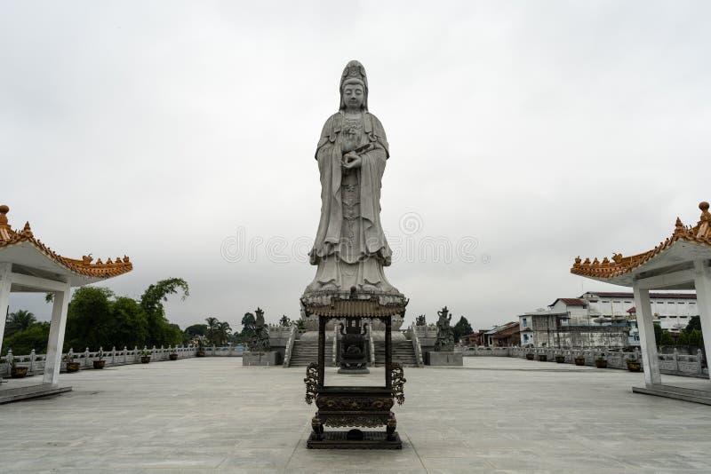 Статуя Avalokitesvara в Pematang Siantar - Индонезии стоковое фото