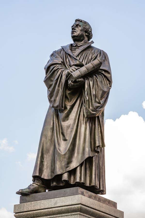 Статуя Bronce Мартина Luther стоковые фотографии rf