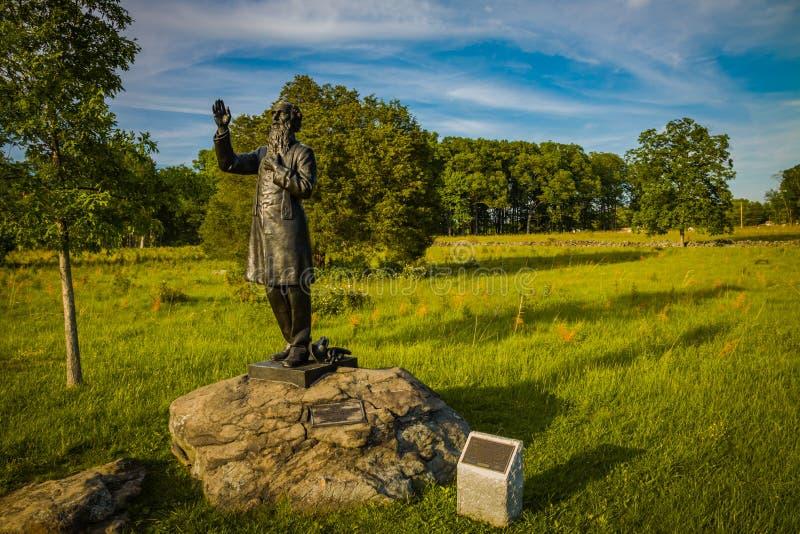 Статуя Corby отца на поле брани стоковое изображение rf