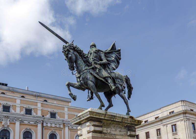 Статуя El Cid в Бургосе, Испании стоковые изображения