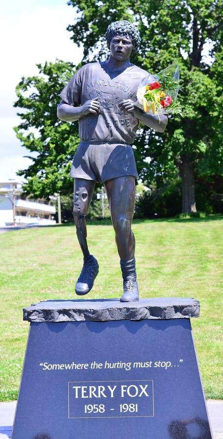 Статуя Fox Терри стоковое фото