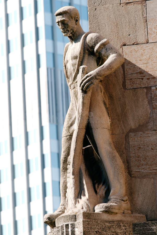статуя frankfurt Германии стоковая фотография rf