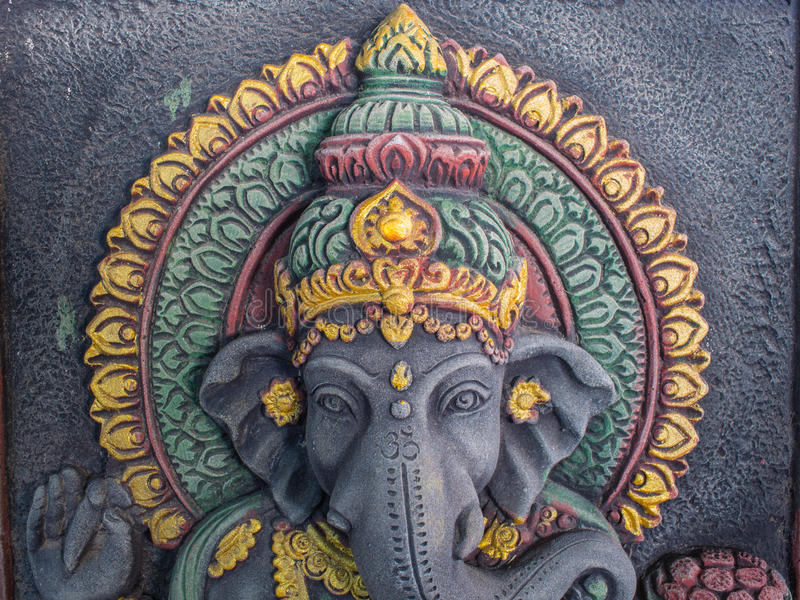 Статуя Ganesh излучает престижность стоковая фотография rf