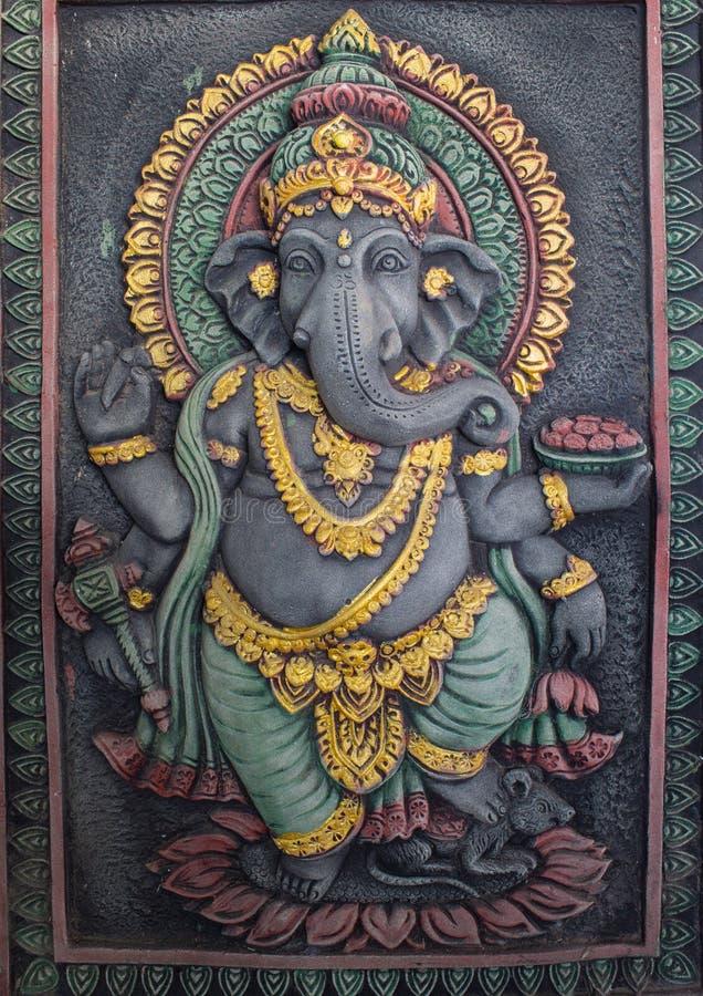 Статуя Ganesh излучает престижность стоковые фотографии rf