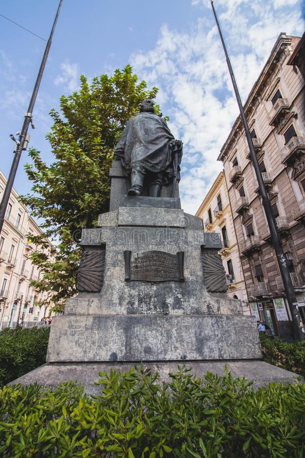 Статуя Garibaldi в Катании, через Etnea стоковая фотография rf
