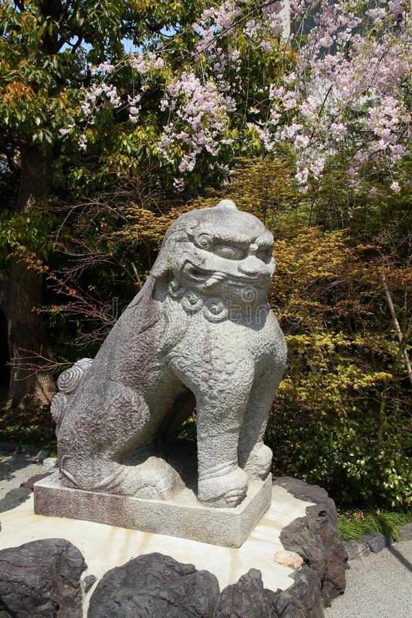 Статуя Komainu стоковое фото rf