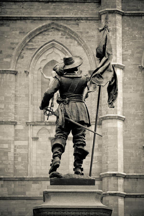 Статуя Maisonneuve стоковое фото rf