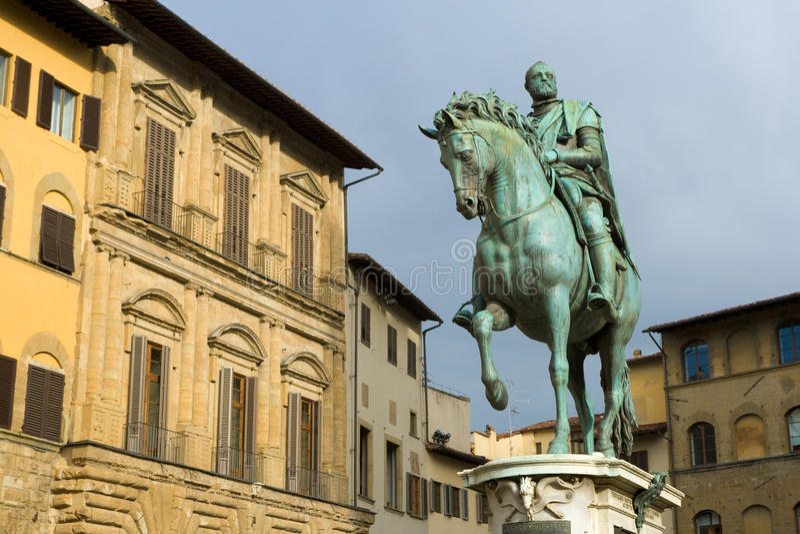 статуя medici cosimo de giambologna i стоковое фото rf
