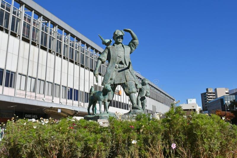 Статуя Momotaro вне станции Okayama, Японии стоковое фото rf