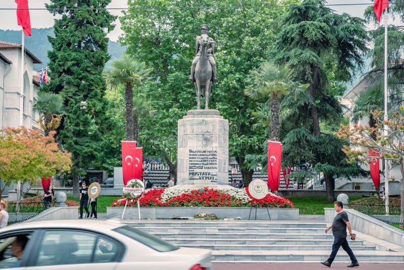 Статуя Mustafa Kemal Ataturk в Бурсе, Турции стоковое фото